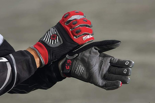 Mace Clutch Gloves