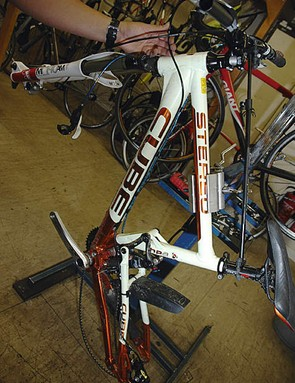 Position the bike so that the bleed nipple is the highest point of the calliper.