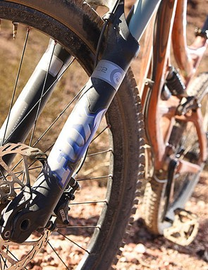 Fox 36 RC2 Fork is great for fettlers, allowing you to adjust both high and low speed compression damping