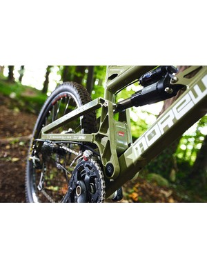 The bike features a simple single pivot with complex CNC machining