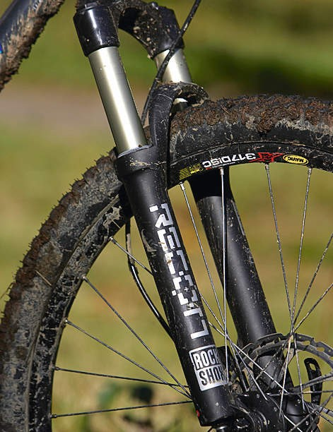 An air sprung fork is easy to adjust for different rider weights and offers a plusher feel than the coil alternative.