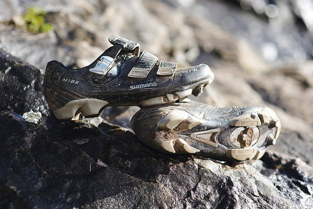 Shimano M182N shoes