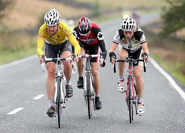 Mark Lovatt (Left) on the attack at the Tour of Pendle in 2007