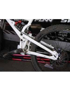 The Pinn'R's Freedrive suspension system looks tricky but the wheel path is just a high-single pivot