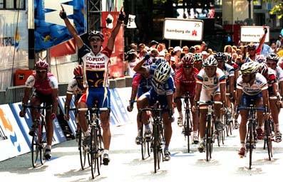 CYCLING : HEW CYCLASSICS 2004ZABEL Erik ( GER ) / FREIRE Oscar ( ESP ) / O'GRADY Stuart ( AUS ) / BETTINI Paolo ( ITA ) / REBELLIN Davide ( ITA ) / ASTARLOA Igor ( ESP ) / WHITE Matthew ( AUS )WORLD CUP COUPE DU MONDE WERELDBEKER / UCI