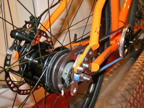 British manufacturer Orange was among the first to use carbon belt drives. Now Trek is taking it to the masses in 2009.
