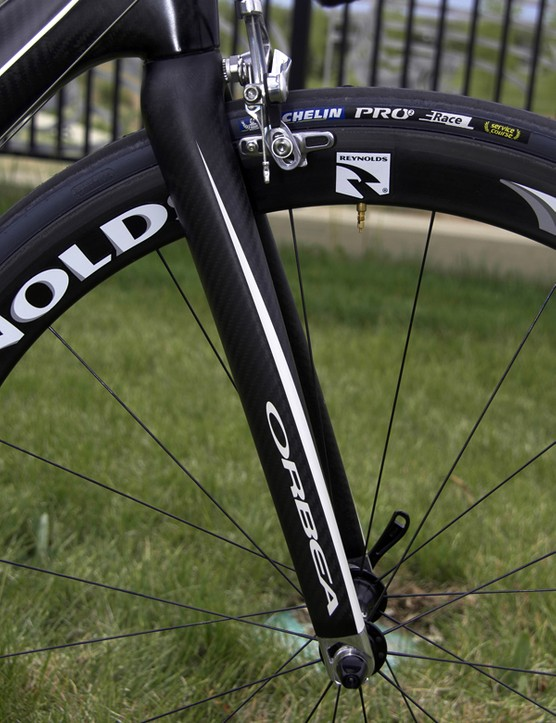 The matching fork boasts stout legs for predictable handling