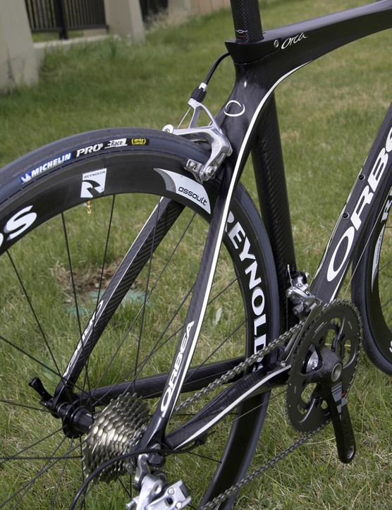 The front triangle's curves carry through the seat stays all the way to the dropouts