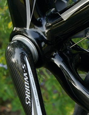 One piece carbon cranks add to the futuristic look