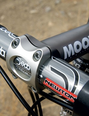 Moots' own stem keeps things pointed