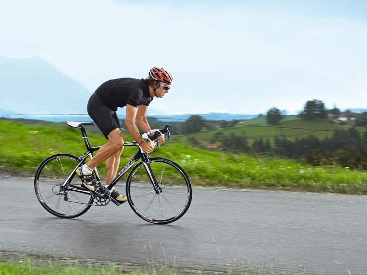 Marcel Wust gives the Trek Madone 5.2 some welly