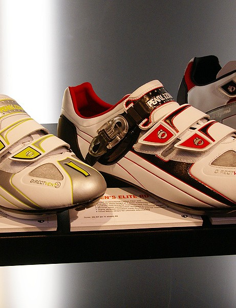 The PRO road shoes feature the same carbon sole as the Octane SL but with a more conventional buckled upper.