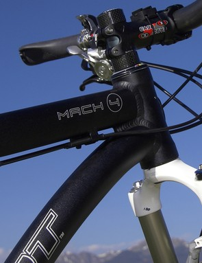 The oversized head tube continues the beefy theme with internal headset cups that allow for a lower bar height if needed
