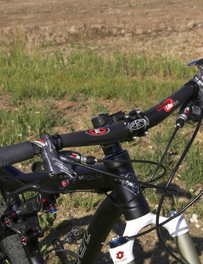 Easton's Monkeylite SL riser bar strikes a near-perfect combination of weight, width, rise and sweep for cross-country applications