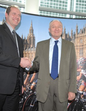 Transport minister Peter Hendy, Mayor Ken Livingstone and Tour boss Christian Prudhomme
