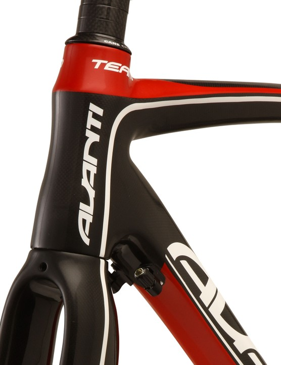Both Quantum & Cadent have a tapered head tube and steerer