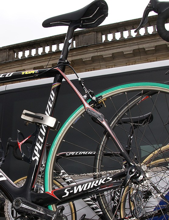 The frame is essentially a hybrid of Specialized's S-Works Tarmac SL2 and Roubaix SL frames.