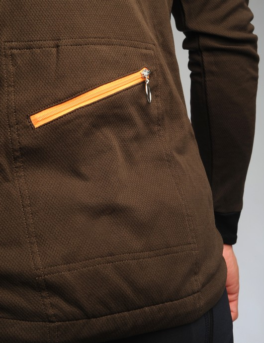 The single rear pocket uses an angled zipper	for easier access, at least with your left hand that is.