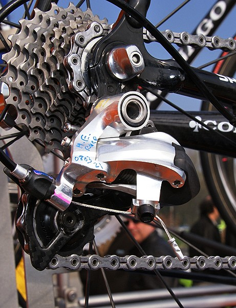 Styling-wise, the prototype rear derailleur looks to be an evolution of the current version