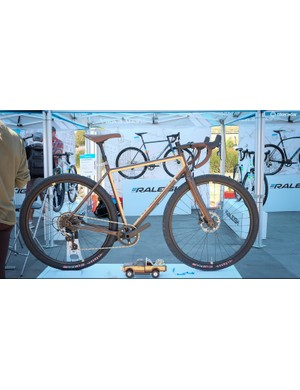 Raleigh showed off a really interesting adventure bike at Sea Otter, the Stuntman. Selling for $2,000, the bike uses 631 steel and an alloy fork. It clears 2.1in 29er tires and comes with an 80mm dropper post