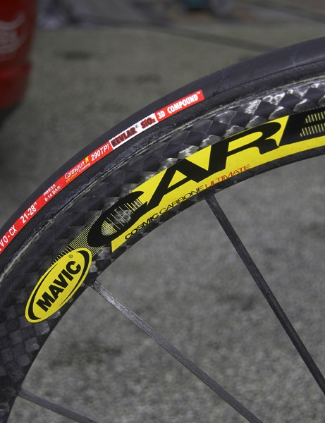 The 40mm-deep all-carbon rims and carbon spokes are molded together.