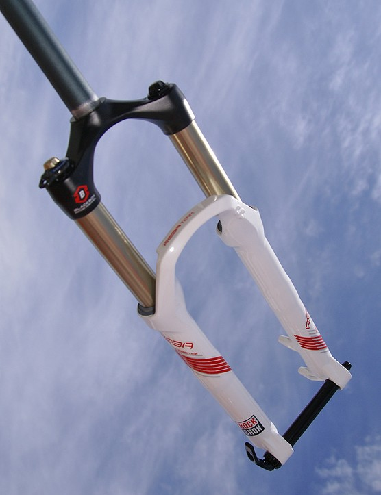 An optional 20mm Maxle Lite thru-axle is among the new features.