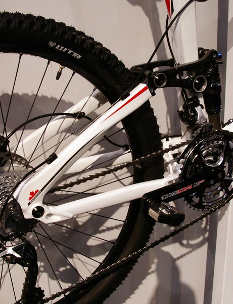According to Rocky Mountain, the Altitude's raised dropout pivot means it doesn't infringe on the Specialized Horst Link patent, too, meaning you'll actually be able to buy one.