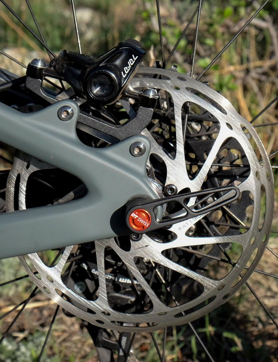 In keeping with its more aggressive persona, the new Tallboy gets 180mm rotors front and rear