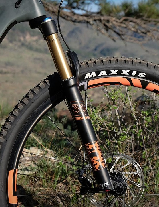The 29er versions of the Tallboy still come stock with 120mm forks, but now they have the more robust 34mm chassis