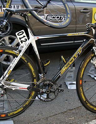 Saunier Duval-Scott's Scott Addict bikes head into 2008 with a bright new paint job.