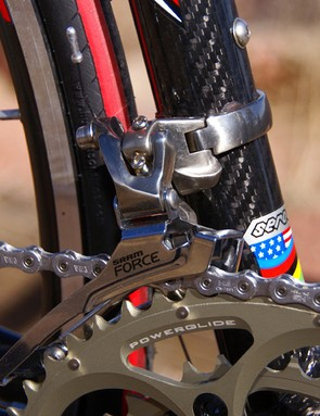 A SRAM Force front derailleur moved the Shimano Dura-Ace chain back and forth between the chainrings.