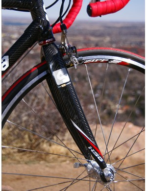 The all-carbon Serotta S-Fork uses the company's standard F-3 lay-up.