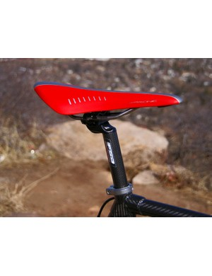 The fi'zi:k Arione offers a classic profile for your rear end.
