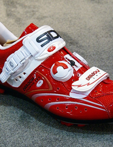 Sidi will offer the shiny 'Vernice' finish in the off-road Dragon 2 SRS Carbon, too.