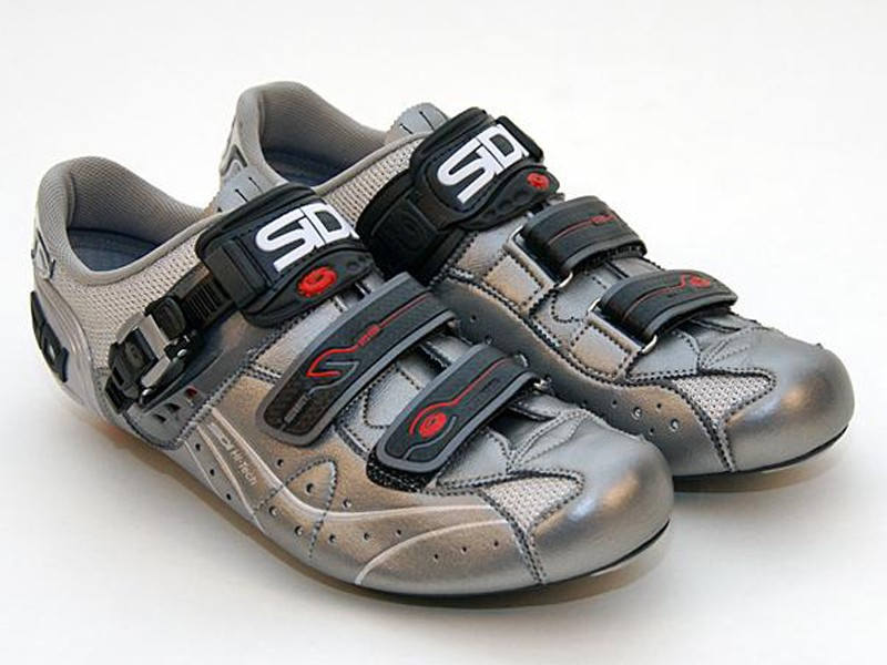 Sidi updates its venerable Genius 5.5 with a stiffer and lighter sole.