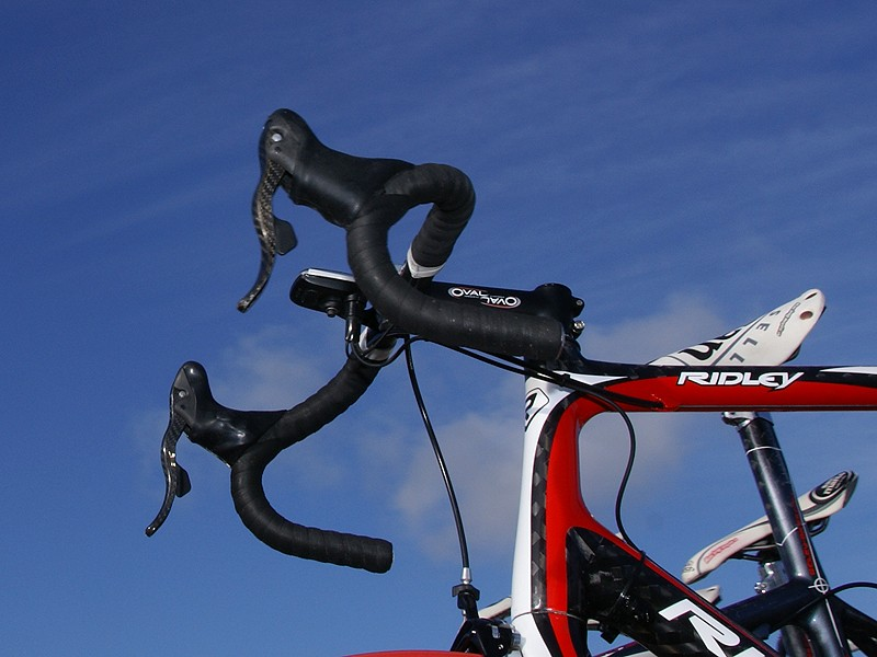 At least one Silence-Lotto bike was also equipped with Campagnolo's electronic group.