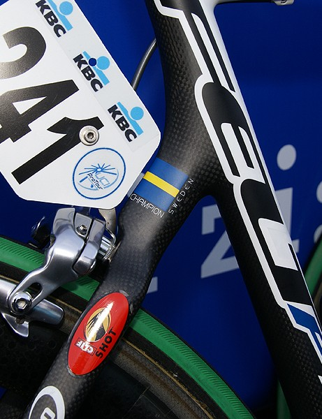 Paintjob and graphics aside, Magnus Backstedt's bike was similar to those of his teammates.