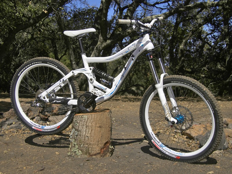 Specialized 2009 mountain bikes and bits - BikeRadar