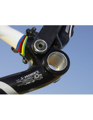 The integrated cranks once reserved only for team riders now find their way on to the consumer versions for 2009.
