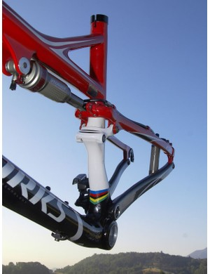 The seat tube makes a distinct detour around the front derailleur as it makes its way to the bottom bracket shell.
