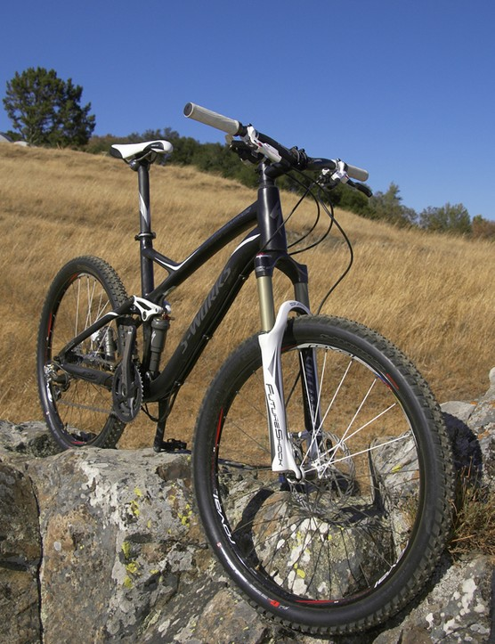 Last year's superb Stumpjumper chassis carries on for another year but gets some significant componentry changes.