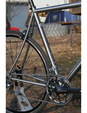 There's clearance for 25mm tyres and it looks like you might just squeeze in 28s