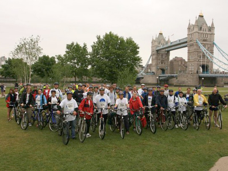 The ride will take in 14 Thames bridges