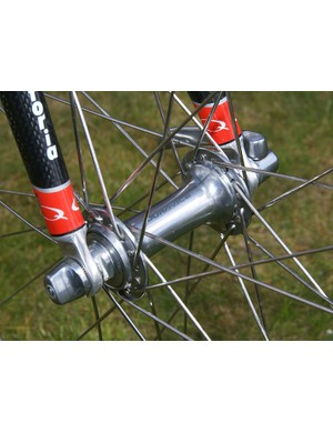 The team skipped over its usual Zipp carbon tubulars in favour of more traditional handbuilt wheels.