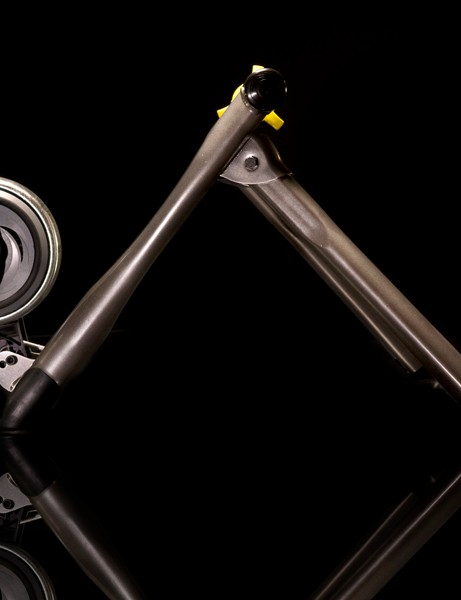 The folding legs are moved further forward for added stability when sprinting out of the saddle.