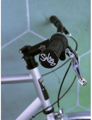 MTB riser bar with cush handlebar grips.