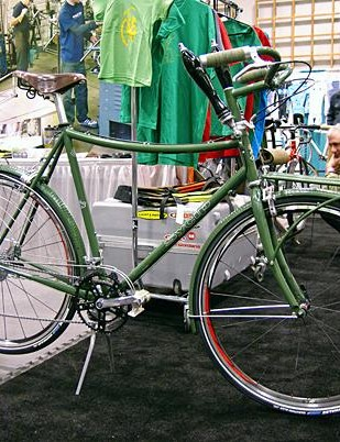 The popular Sycip townie, complete with beer-tap shifters.