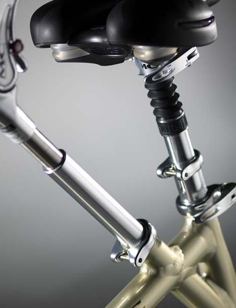 Telescopic-adjustment-seat-post-and-rear-handlebars-1fdf075