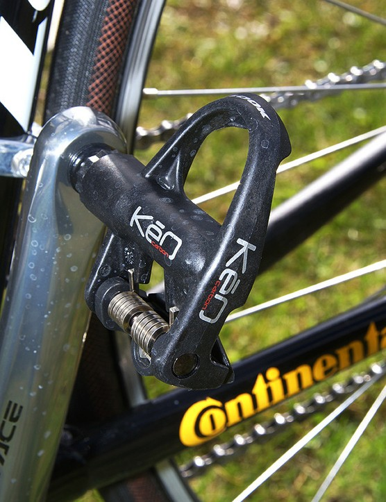 One of the few departures from the Shimano Dura-Ace group is Hushovd's Look KéO Carbon pedals.