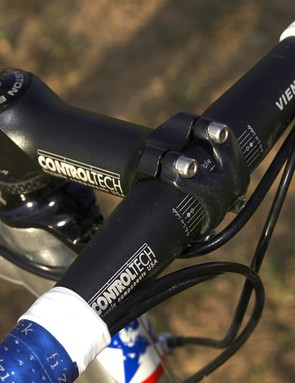 The Control Tech Scored 99 stem and Viento CL bar are both made from scandium alloy